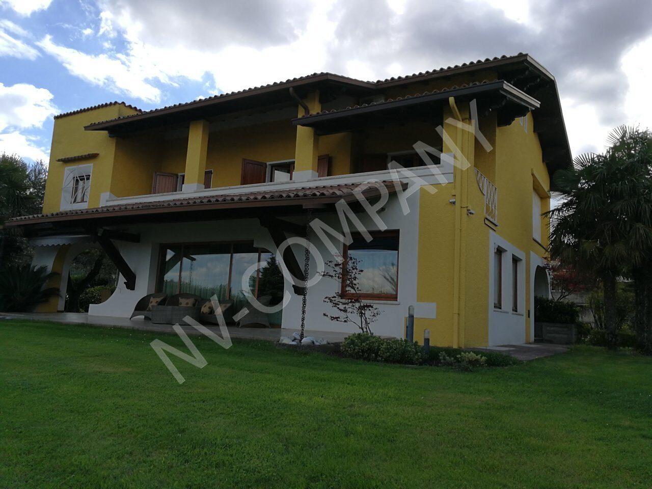 Недвижимость италия застройщики
